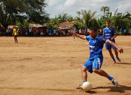 timthumb-12-520x378 Torneio de futebol de campo reúne 14 equipes na zona rural de Monteiro