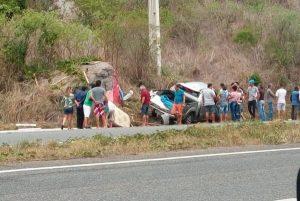 005-1-300x201 Grave acidente envolvendo uma caminhonete deixa cinco sumeenses feridos na BR-230