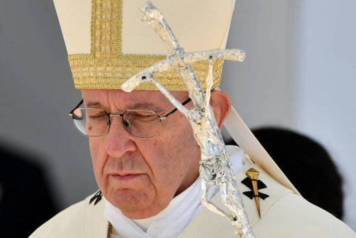 15494029965c5a0374c684a_1549402996_3x2_lg-520x347 Papa Francisco admite que padres e bispos abusaram sexualmente de freiras