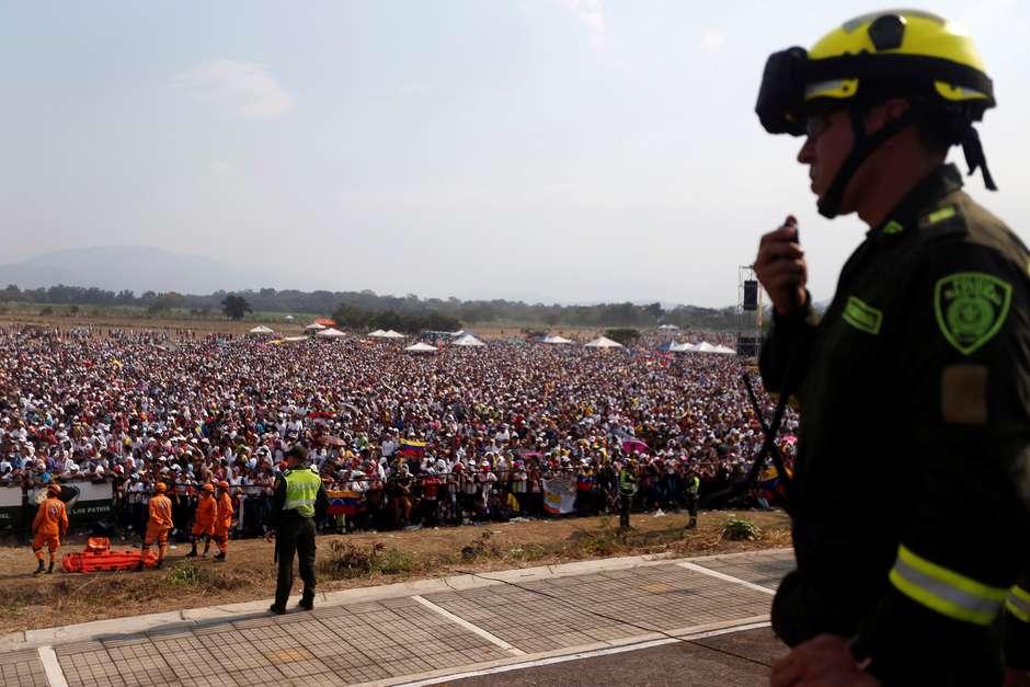 2019-02-22t203027z28880093rc1bee6f7390rtrmadp3venezuela-politics-concert-520x347 Governo brasileiro confirma entrega de ajuda à Venezuela