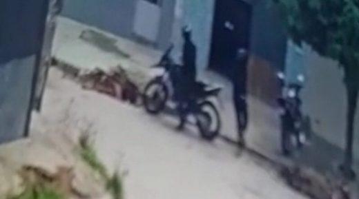 6CAC618F-666B-4521-A236-FDD3979BCE6D-800x445-520x289 Polícia prende suspeitos de praticar assaltos em Monteiro