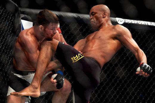 Anderson-Silva-520x347 Anderson Silva volta após 2 anos, perde e se afasta de cinturão do UFC