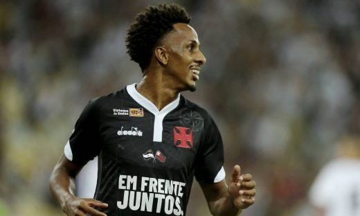 Final-da-Taca-Guanabara-Vasco-da-Gama-x-Resende-520x312 Vasco vence Resende por 3 a 0, homenageia Fla e vai à final da Taça GB