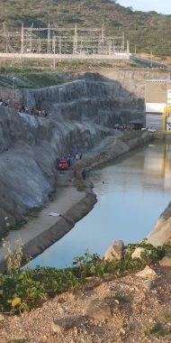 IMG-20190224-WA0047-190x380 Carro cai em Canal da Transposição e deixa saldo de três mortos em Sertânia