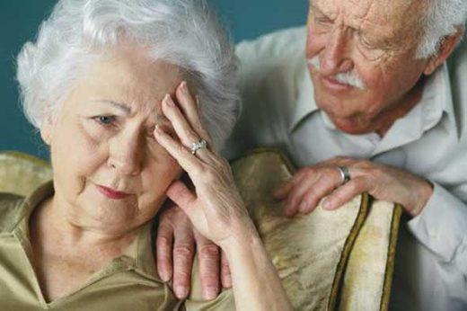 alzheimer_tem_tratamento_kenyan_omnilife-520x346 Cirurgia que melhora a memória de pacientes com Alzheimer é realizada no Brasil