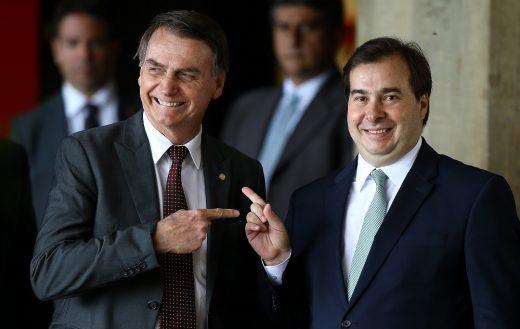 bolsonaro_maia-520x329 DEM se oferece para assumir articulação da base no Congresso