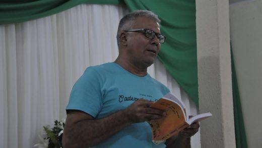 efigenio-moura-usa-escrita-regional-520x293 'Conto o chão que pisei', diz escrito Efigênio Moura que aposta em linguagem regional