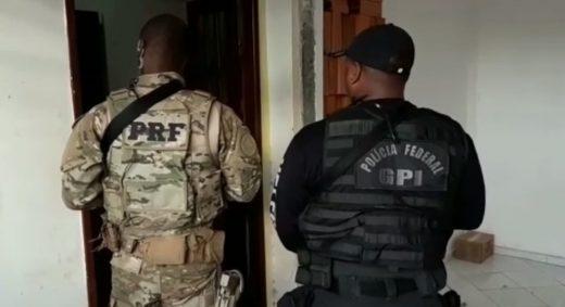 pf-1-520x283 PRF e PF prende na Paraíba suspeito de integrar quadrilha de roubo de cargas
