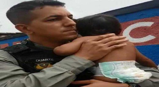 pm-pb-520x286 Policial Militar salva criança de 1 ano e 6 meses que estava engasgada
