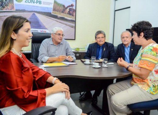 timthumb-2-2-520x378 Prefeita de Monteiro se reúne com secretário estadual e presidente da ALPB