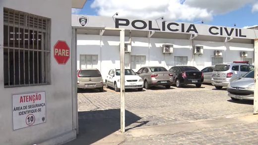 vlcsnap-0295-05-11-10h49m30s003-520x293 PM é preso em Campina Grande por atirar em via pública, resistir à prisão e desacatar policiais