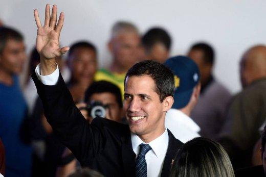 Guaidó-520x347 Regime Maduro proíbe Guaidó de ocupar cargos públicos por 15 anos