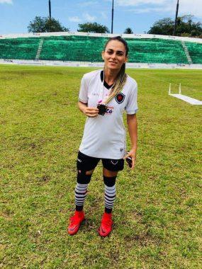 Michele-Bolt-285x380 Monteirense Michele Bolt, vai disputar o Campeonato Brasileiro feminino de Futebol pelo Botafogo PB.