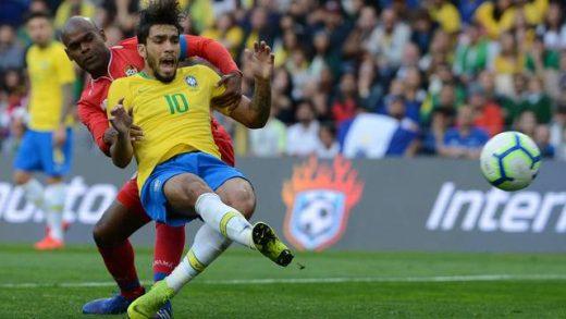 brasil-panama-520x293 Brasil apenas empata com Panamá e deixa campo sob vaias