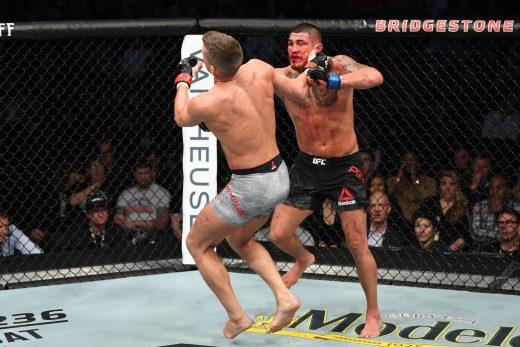 gettyimages-1132387552-520x347 Com golpe espetacular, Pettis surpreende Thompson e nocauteia no UFC
