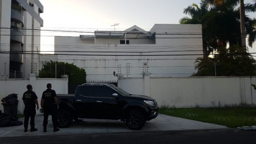operacao-pf-cabedelo-roberto-santiago-520x293 Terceira fase da 'Xeque-Mate' cumpre mandado de prisão contra empresário Roberto Santiago, na PB