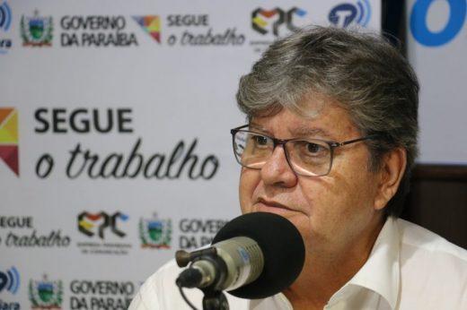programa-fala-governador-direto-da-tabajara_foto-francisco-franca-6-800x533-520x346 João Azevêdo lança Programa Paraíba Rural Sustentável nesta terça-feira