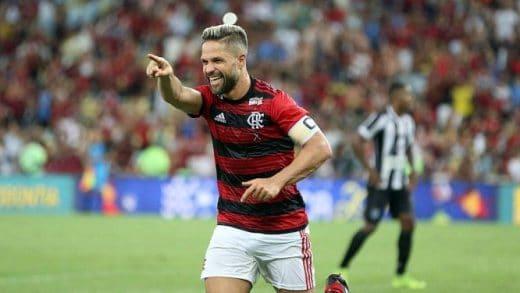 x81269908_Diego-Ribas-comemora-seu-gol-Rio-24-02-2019Campeonato-Carioca1-rodada-daTaca-RioF.jpg.pagespeed.ic_.7yRLxe1lbG-520x293 Flamengo vence Fluminense por 3 a 2 e vai à semi da Taça Rio