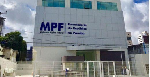 xmpf-pb.jpg.pagespeed.ic_.SsQKeh_kd1-520x270 Ex-prefeito é condenado por desvio de recursos em obra de banheiros