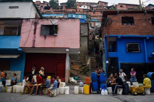 15544166135ca683e5cc1f1_1554416613_3x2_rt-520x347 PIB da Venezuela sofrerá queda de 25% em 2019, prevê Banco Mundial