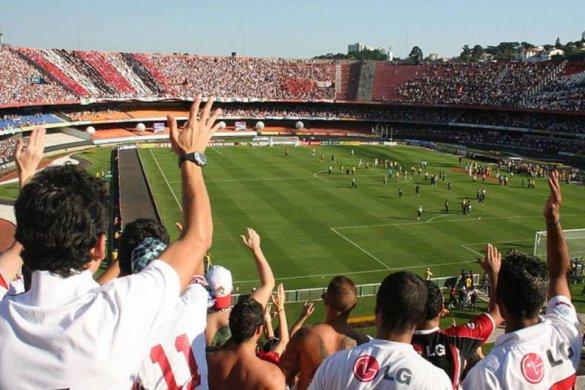 BRIGA-TORCIDAS-585x390 Briga entre torcedores do SPFC e Corinthians tem 14 feridos