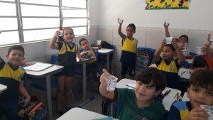 Crianças-contra-monteiro Parceria entre Secretarias Municipais informa crianças sobre Aedes Aegypti