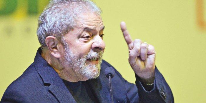 """LULA_CONCEDE_SUA_PRIMEIRA_ENTREVISTA_APÓS_SUA_PRISÃO-2-700x350 Lula ironiza Olavo de Carvalho: """"Pensa que a terra é plana"""""""