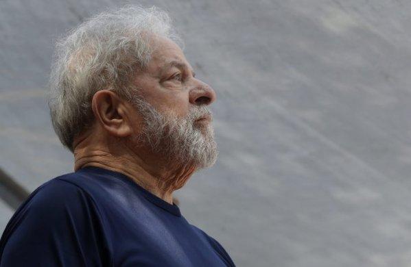 Luiz-Inacio-Lula-oas-599x390 Justiça manda OAS dar a Lula valor pago por imóvel em prédio do tríplex