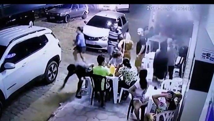 Screenshot_20190422-062552_Photoshop-Express-690x390 Bandidos assaltam lanchonete no centro de Monteiro