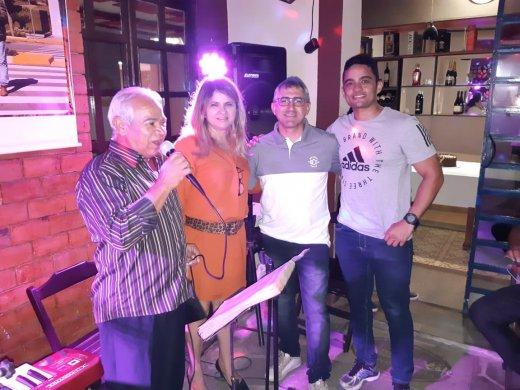 WhatsApp-Image-2019-04-18-at-10.44.261-520x390 Funcionário da Caixa Econômica Federal Monteiro, festeja mais um aniversário