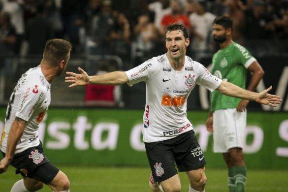 corinthians-vence-585x390 Copa do Brasil: Corinthians bate Chapecoense e se classifica às oitavas