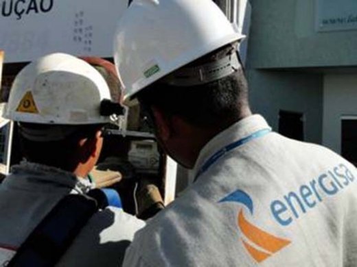 energisa-paraiba-520x390 Durante operação em JP, polícia flagra 'gato' de energia nos restaurantes Opção e Du Bistrô
