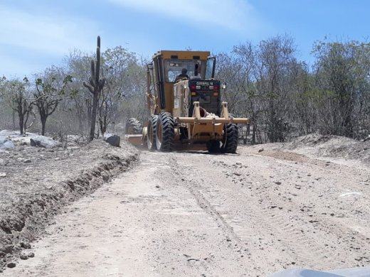 estradas-520x390 Deputado levanta suspeita de desvio de dinheiro na Paraíba em construção de estradas