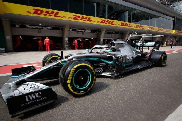 f1-china-585x390 Pirelli destaca estratégias mais rápidas para o GP da China de 2019