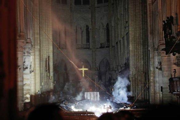notre-dame-585x390 Família doa 100 milhões de euros para reconstrução de Notre-Dame