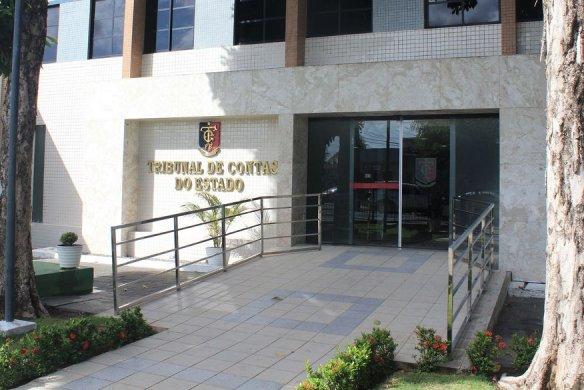 tce-pb_-contas-aprovadas-584x390 TCE aprova contas da prefeitura de Taperoá referente ao exercício financeiro de 2015