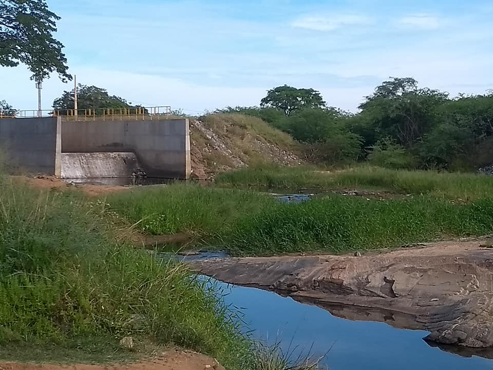 transposição_rio_sao_francisco1-520x390 Transposição do Rio São Francisco totalmente abandonada em Monteiro