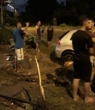 whatsapp-image-2019-04-04-at-23.07.12-330x380 Enxurrada arrasta casas e deixa dois mortos na Zona Sul de Teresina
