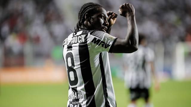 32933178017_f8939dfa58_o_vuyCqot Atlético-MG segura a pressão e vence o Flamengo