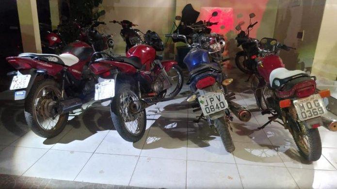 60194150_2456396501077352_5221665202314936320_n-695x390 Polícia Militar recupera quatro motocicletas tomadas por assalto e prende autor de assaltos na zona rural de Monteiro