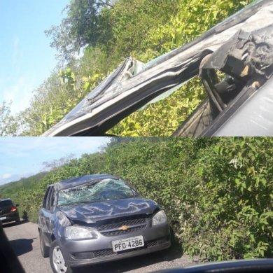 IMG_20190514_085741-390x390 Condutor perde controle de veículo e capota entre o distrito de Pernambuquinho e Sertânia