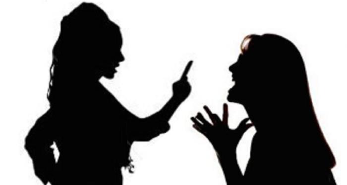 briga-de-mulher-700x373 Em Sertânia: Mãe de 72 anos é presa e filha responde a TCO após briga entre ambas