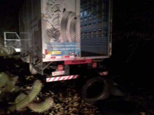 crga Polícia localiza caminhão roubado com carga de pneus avaliada em R$ 114 mil no Cariri