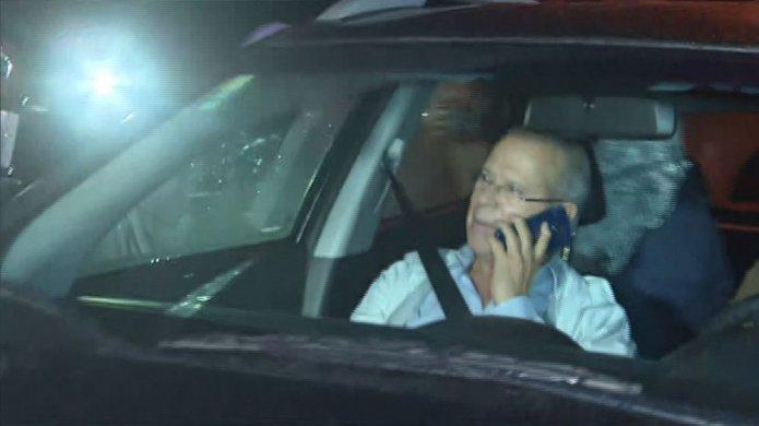 dirceu-chega-695x390 Ex-ministro José Dirceu se entrega à PF em Curitiba para cumprir pena na Lava Jato
