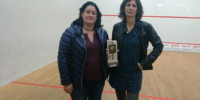 Jogadoras recebem vibrador e cera depilatória por vencer campeonato de squash