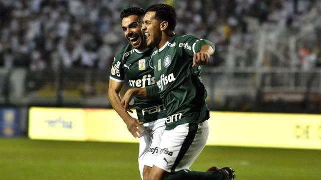rib2933 Palmeiras se impõe, goleia Santos no Pacaembu
