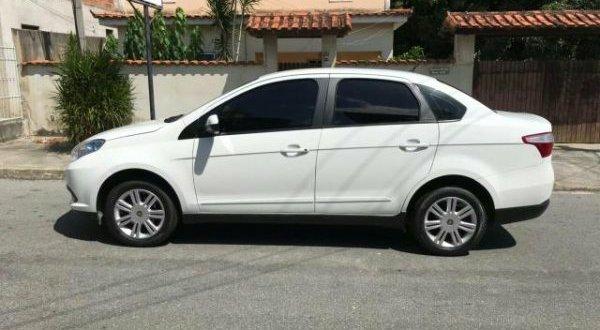 Carro é furtado no centro de Serra Branca