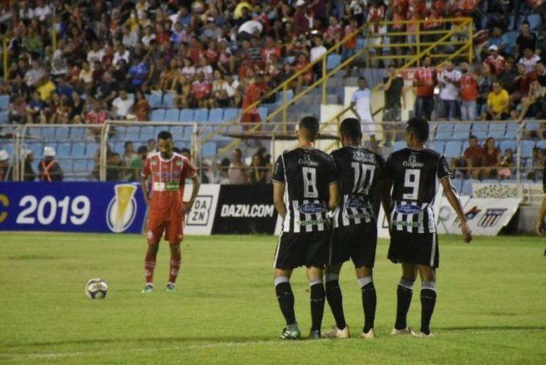 treze-imperatriz-584x390 Treze enfrenta o Imperatriz e empata pela terceira vez na Série C do Brasileiro