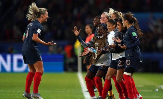 1559924136_249619_1559941520_noticia_normal_recorte1-638x390 França goleia a Coreia do Sul na abertura da Copa do Mundo feminina