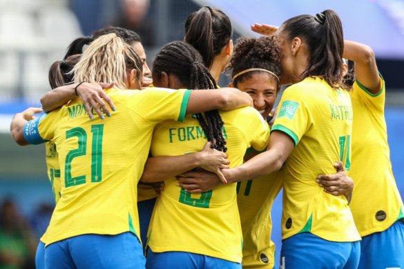 20190609165733_880-585x390 Vale vaga! Seleção Brasileira Feminina enfrenta a Itália pela Copa do Mundo